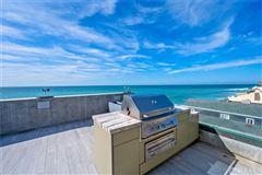 Luxury homes in Breathtaking oceanfront living