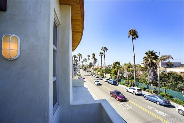 Luxury real estate recently remodeled oceanfront condo
