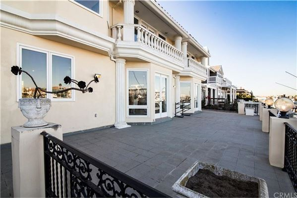 a spectacular waterfront estate  luxury properties