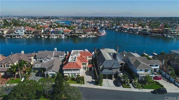 Luxury properties a spectacular waterfront estate
