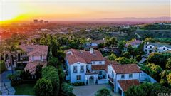 One Pelican Hill Circle is a stylish and modern home within the Pelican Hill mansions
