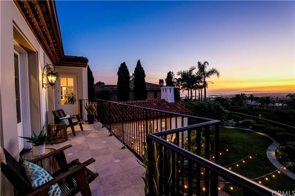 Mansions One Pelican Hill Circle is a stylish and modern home within the Pelican Hill