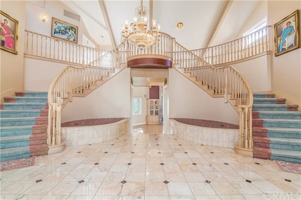 Luxury homes Gated executive home with breathtaking view