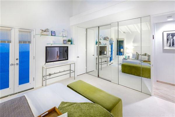 Luxury properties gorgeous contemporary oceanfront estate