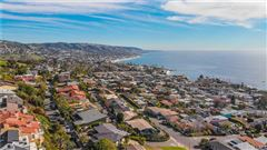 Luxury homes in gorgeous residence offers panoramic ocean views