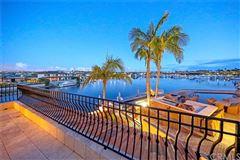Spanish Villa Offers Stunning Views of the City luxury homes