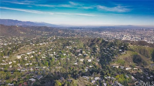 Luxury properties incredible large lot in the heart of los angeles