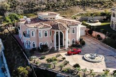palatial estate in prime location luxury homes