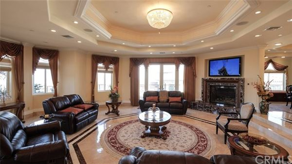 Luxury homes palatial estate in prime location