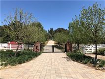 country living and city close lifestyle luxury real estate