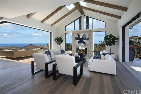 Luxury properties masterpiece in the Corona Highlands
