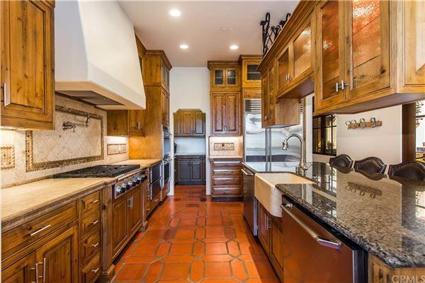 Luxury properties luxurious and versatile vineyard estate