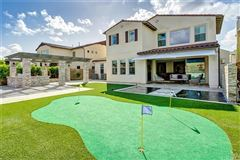 Mansions in Magnificent Estate in coveted great park