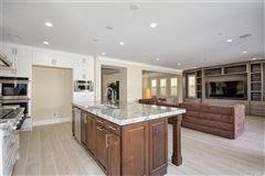 Magnificent Estate in coveted great park luxury properties