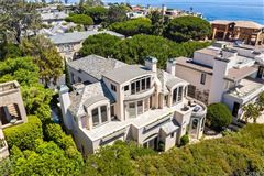 Mansions exceptional opulence with panoramic ocean view