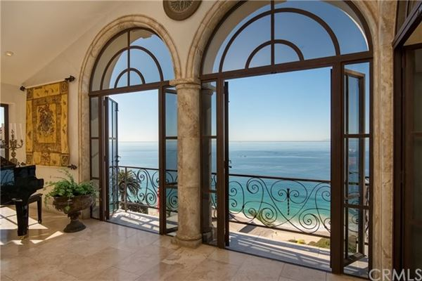 Villa Bella Voce Della Mare luxury properties