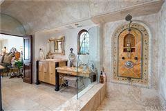 Luxury homes in Villa Bella Voce Della Mare