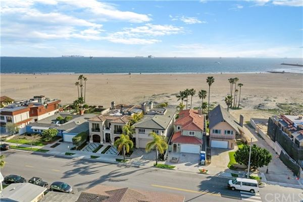 Luxury properties Seal Beach Gold Coast home with amazing views
