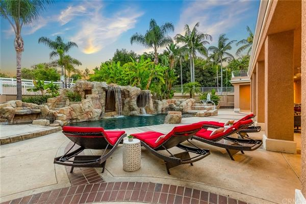 Luxury homes Tropical paradise in Nellie Gail Ranch