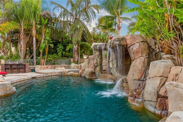 Luxury real estate Tropical paradise in Nellie Gail Ranch