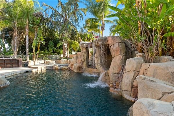 Mansions Tropical paradise in Nellie Gail Ranch