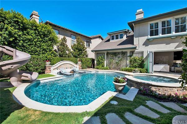 Luxury homes in prestigious Arbor Crest Estates neighborhood