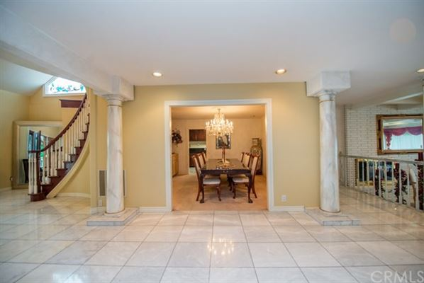 Mansions Beautiful privately gated custom estate in prestigious Peralta Hills