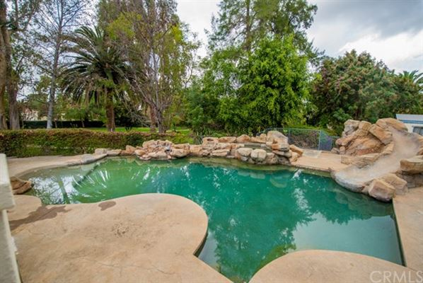 Beautiful privately gated custom estate in prestigious Peralta Hills mansions