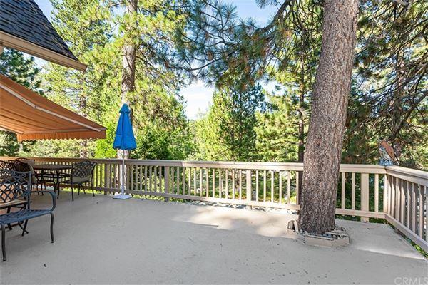 Extraordinary Estate On The Lake luxury properties