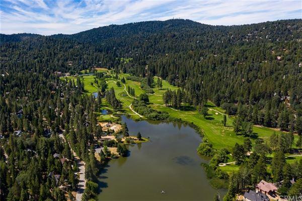 Luxury homes Extraordinary Estate On The Lake