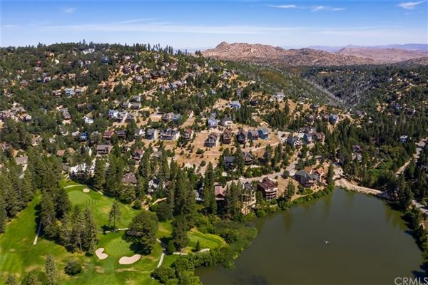 Luxury real estate Extraordinary Estate On The Lake