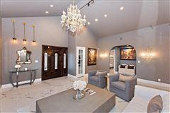 Luxury homes Elegant Spanish Style Villa single-story w/ sweeping city views