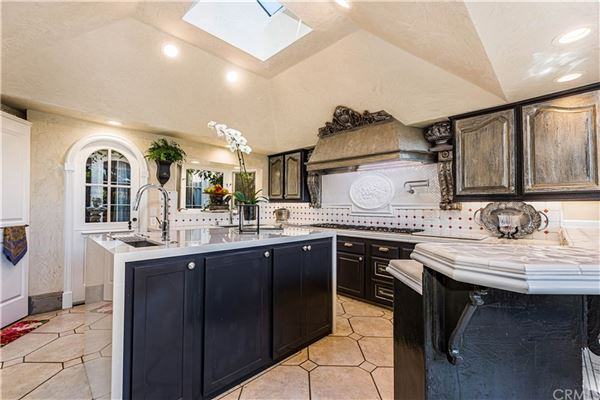 Luxury properties incredible European-style estate home in irvine