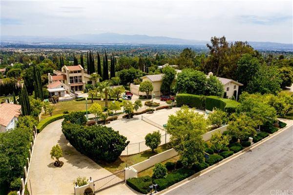 Luxury homes in Amazing multi-level estate