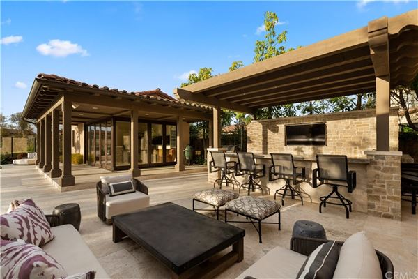 Mansions in incredible home in Groves of Orchard Hills
