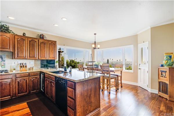 Panoramic bay and ocean views luxury real estate