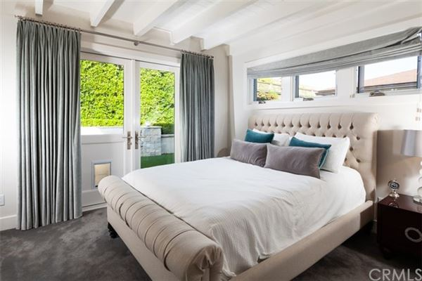 Luxury properties World-class Trophy Property in laguna village