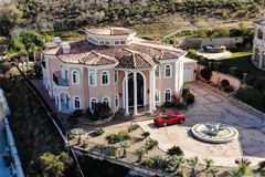 a palatial estate luxury homes