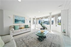 Magnificent waterfront estate luxury properties