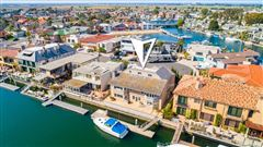Magnificent waterfront estate mansions