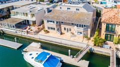 Mansions in Magnificent waterfront estate
