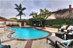 Luxury homes in magnificent Stratford Pool Home