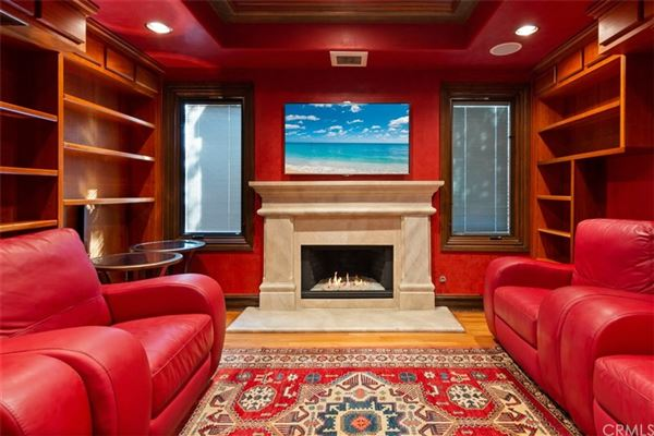 Luxury properties gorgeous home in gated Pelican Ridge Estates