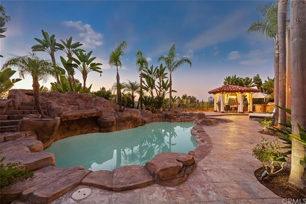 Luxury homes gorgeous home in gated Pelican Ridge Estates