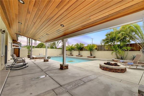 Luxury real estate Rossmoor Highlands pool and spa home