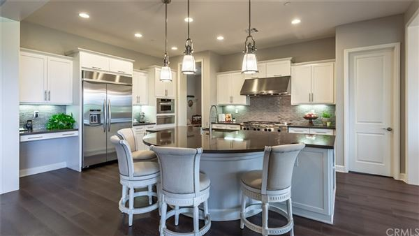 Luxury properties Unforgettably beautiful model-perfect home
