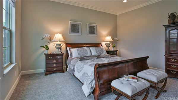 Luxury real estate Unforgettably beautiful model-perfect home