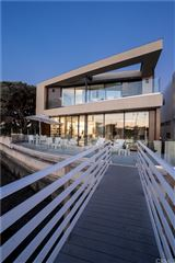 captivating Bayfront Contemporary luxury properties