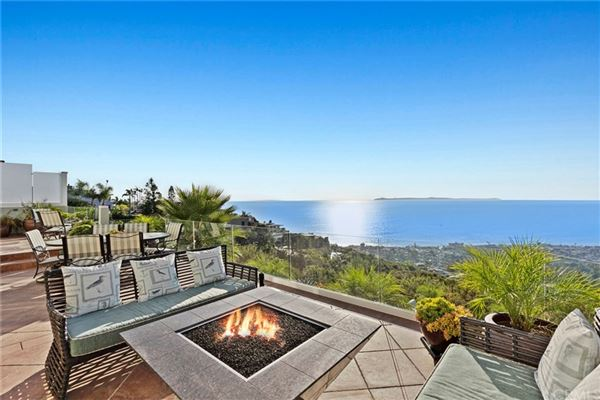 Luxury homes spellbinding property with exceptional ocean views