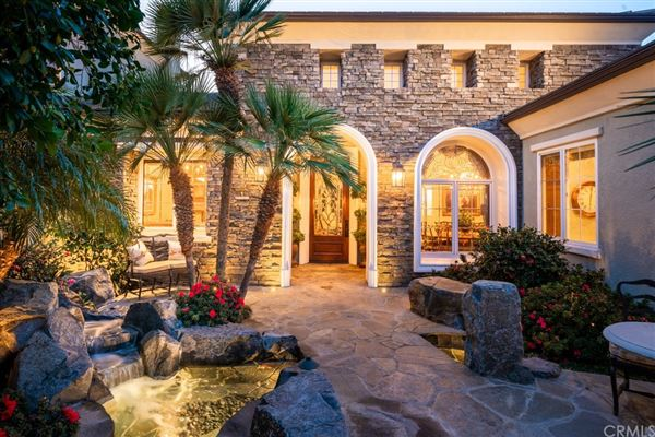 Luxury homes Fort Pointe